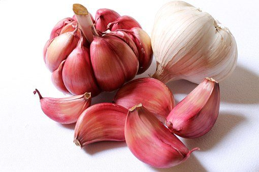 blog picture of cloves of garlic